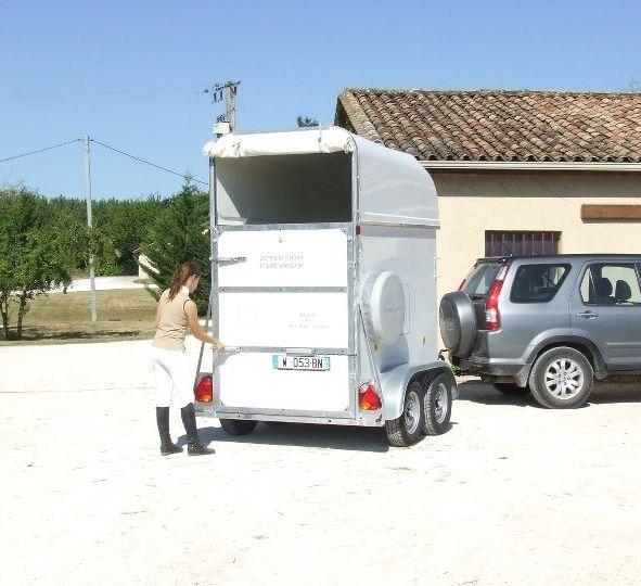 st george nuno et nuno sport vans et camion chevaux. Black Bedroom Furniture Sets. Home Design Ideas